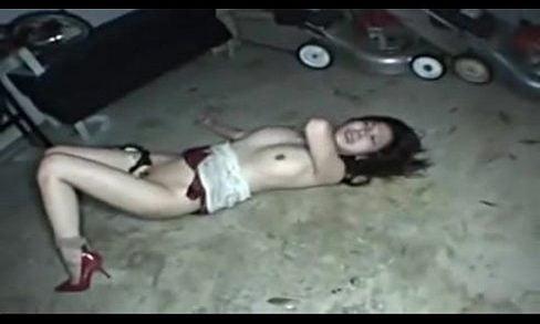 ลักหลับ,ข่มขืน,คลิปลับ คลิปสาวไทยโดนคู่อริเอาผู้ชายมารุมโทรม ร้องไปน้ำหีแตกไป แม่โว้ยเด็ดจริง เห็นแล้วเอาจริงๆก็น่าสารเธอน่ะโคตรโหด