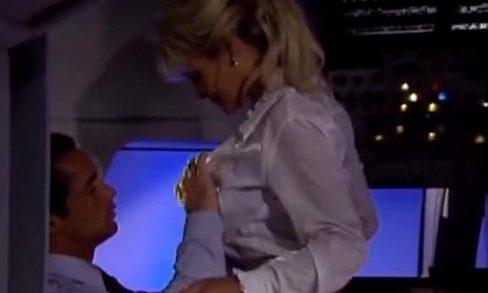 หนังโป๊ฝรั่ง,หีฝรั่ง xxxAV แอร์โฮสเตสสาวสวยเย็ดกับกัปตันบนเครื่องบินค่าเวลาก่อนเครื่องออก เอากันลีลาโคตรเด็ดแต่ล่ะลีลาเสียวๆทั้งนั้น