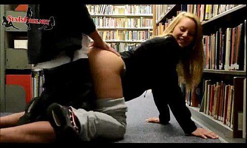 นักศึกษา ชายโสดสาวมหาลัยใจกล้าแอบถ่ายxvideos เย็ดกันเอากันในห้องสมุด ทำท่าหมาแอ่นหีสาวให้แฟนชายโสดเย็ดแรดได้ใจแน่นอน